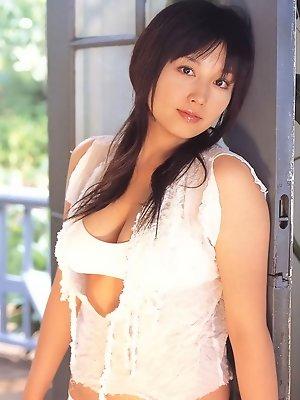Stacked gravure idol hottie with big busty boobs in a bikini