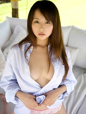 Foxy asian idol captivates with her long hair and perfect boobs
